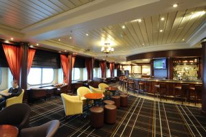 Cunard Queen Mary 2. Golden Lion Pub.